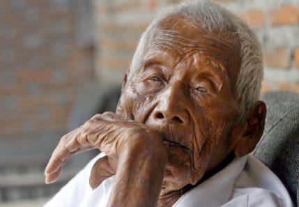 L'uomo piu vecchio del mondo: chi è e quanti anni ha?
