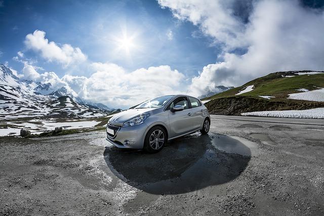 Peugeot 208: la nuova generazione anche elettrica