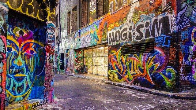 Banksy: chi è l'artista più controverso del momento