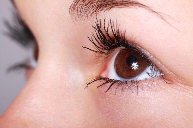 Corneo-plastica e cross linking corneale